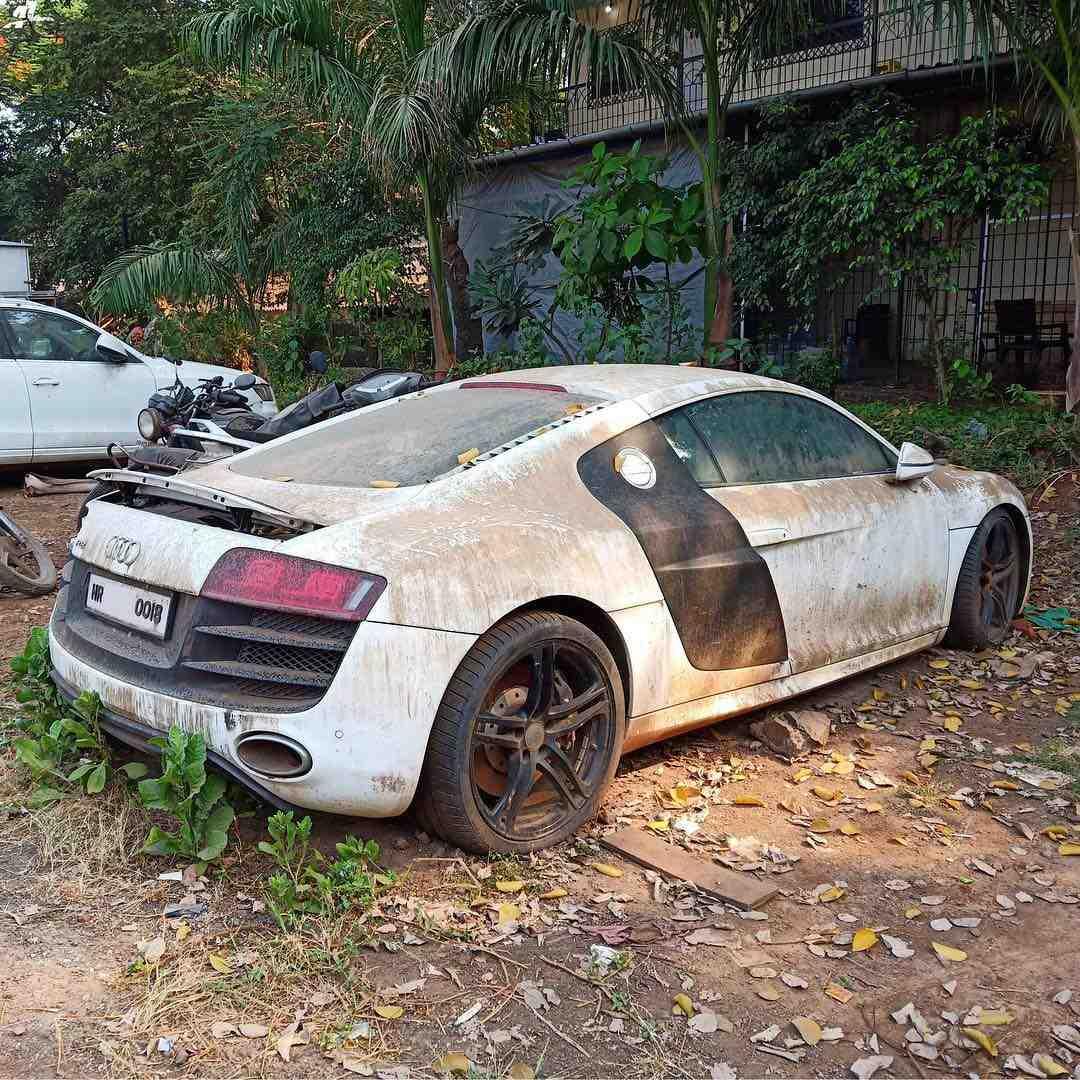 Ex virat Kohli Audi R8 V10 side profile