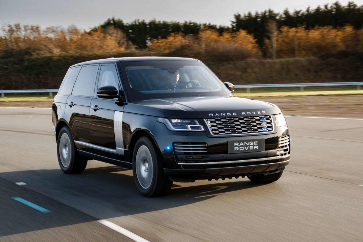 MY 19 Range Rover Sentinel front