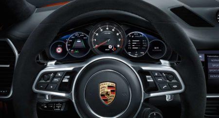 Porsche Cayenne Coupé interior instrument console