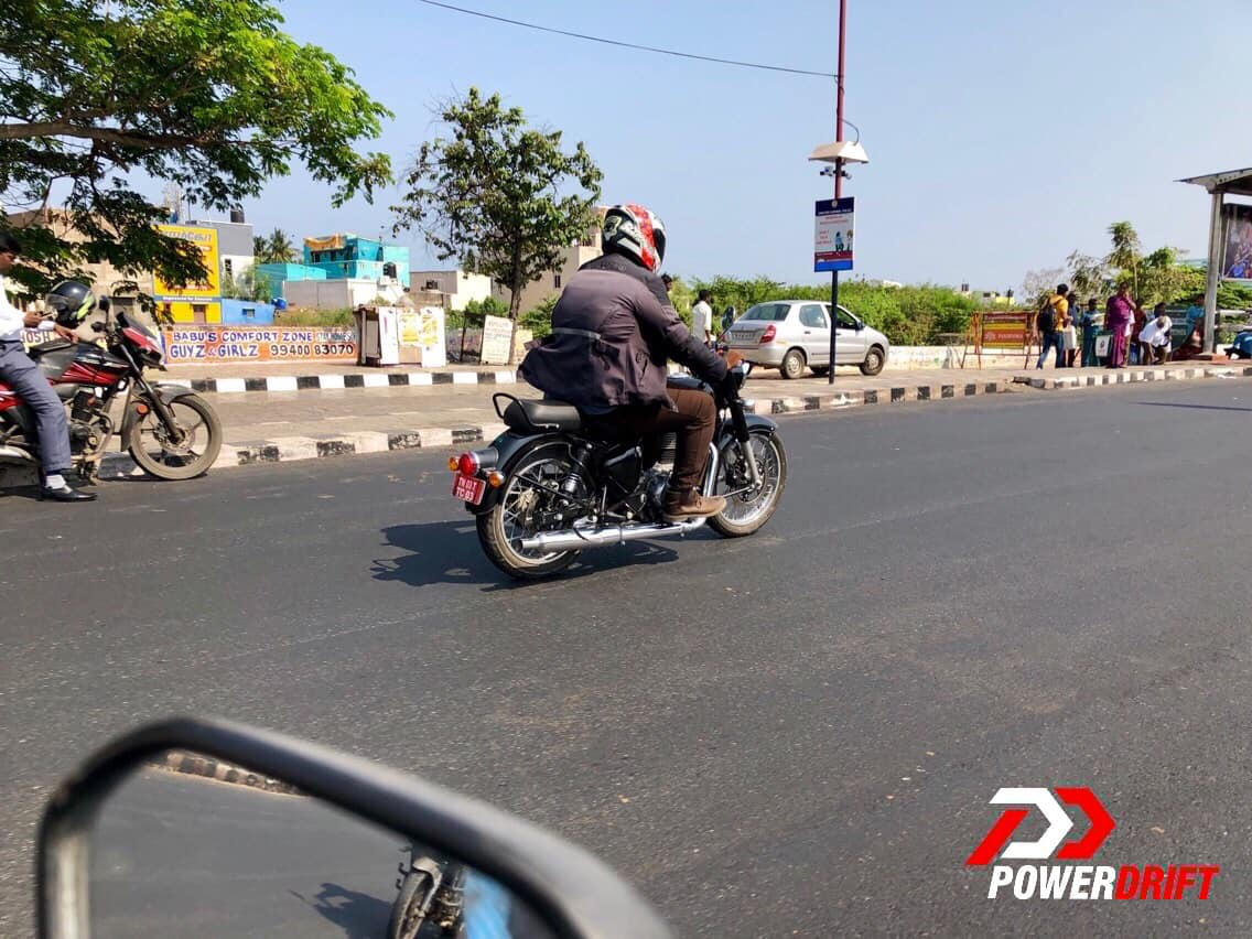 Royal Enfield Classic BS VI compliant rear quarter zoom out