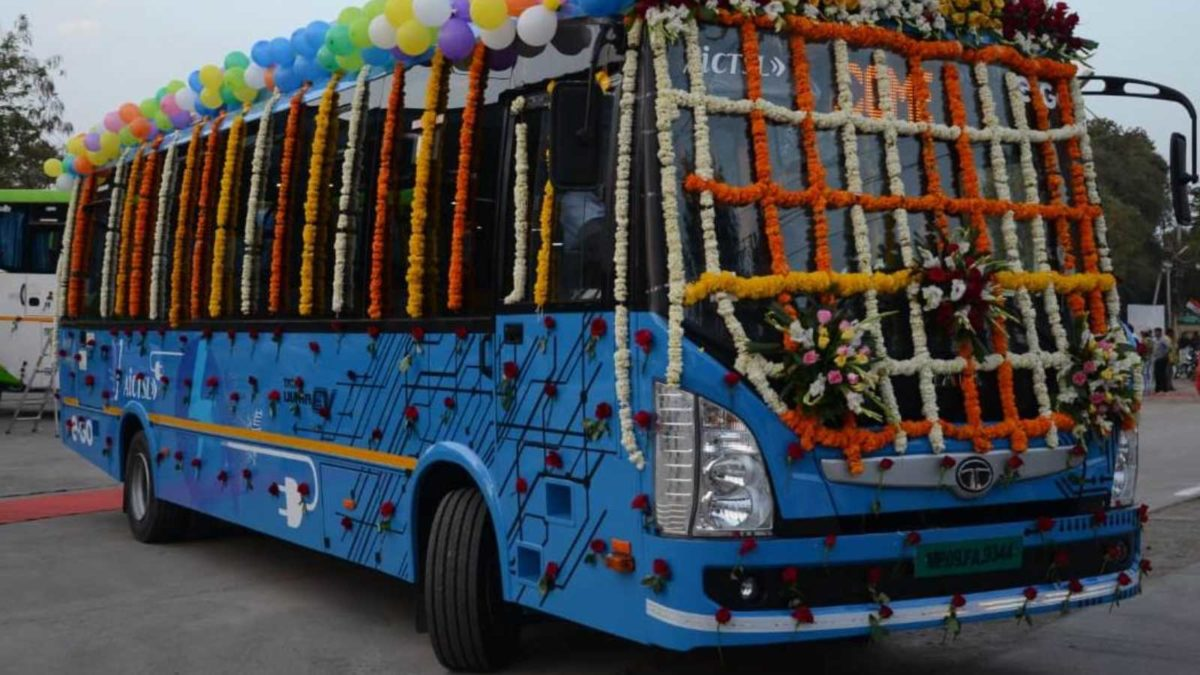 Tata Motors start delivering 40 electric busses to the city of Indore