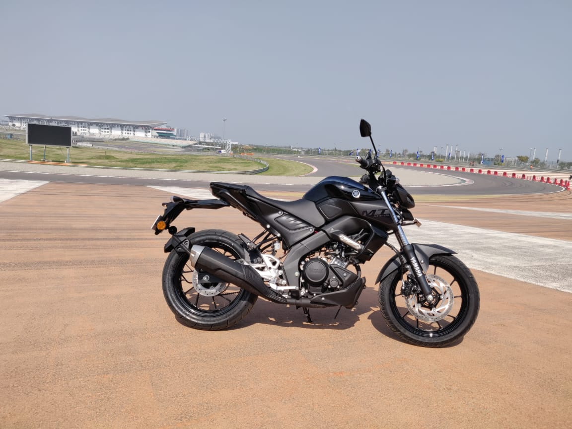 Yamaha MT 15 review side profile