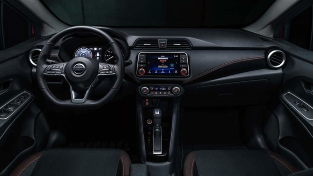 2020 Nissan Sunny interior dash