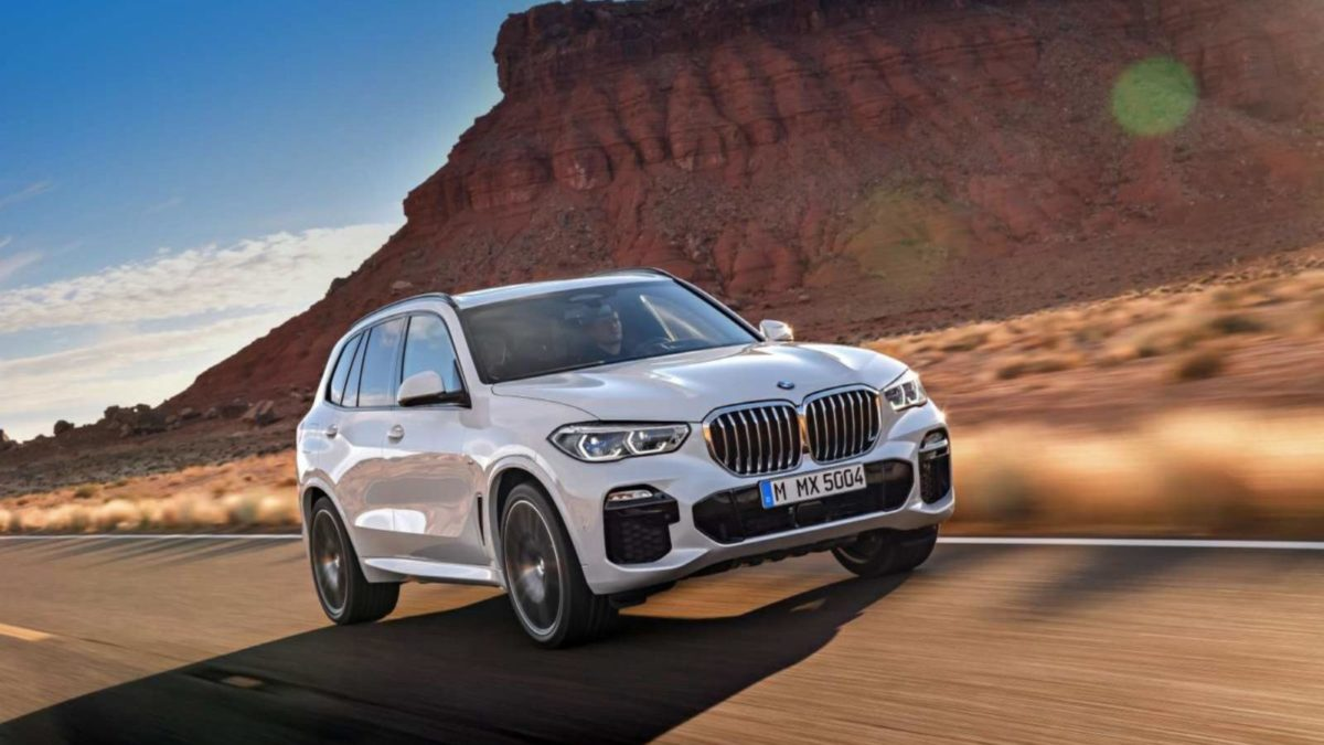 4th Generation BMW X5 rolling front quarter