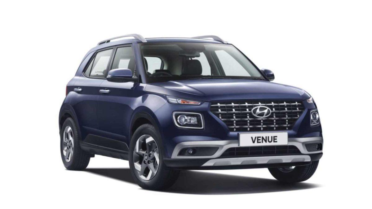 Hyundai Venue front quarter (1)
