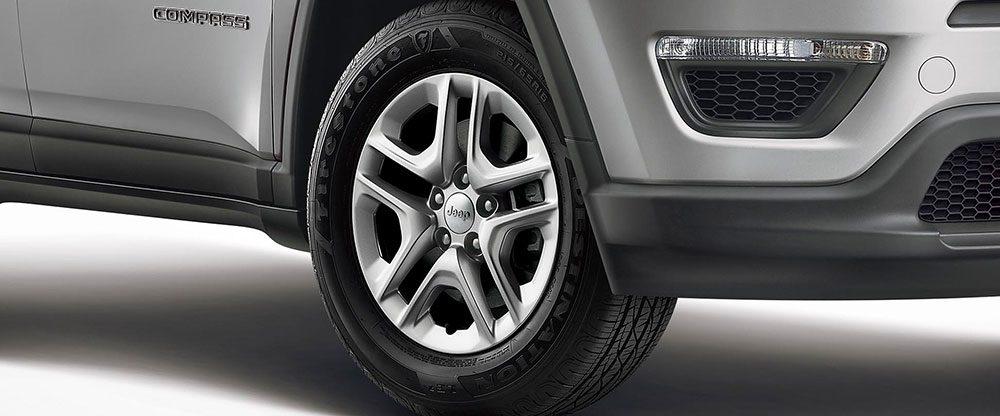Jeep Compass Sport Plus alloy wheels