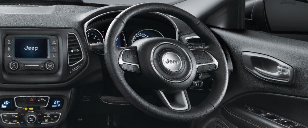 Jeep Compass Sport Plus cabin