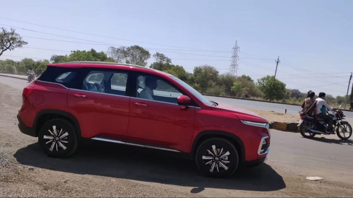 MG Hector spied sans camouflage side