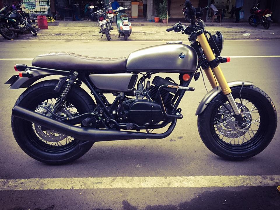 Modified Yamaha RD350 side profile