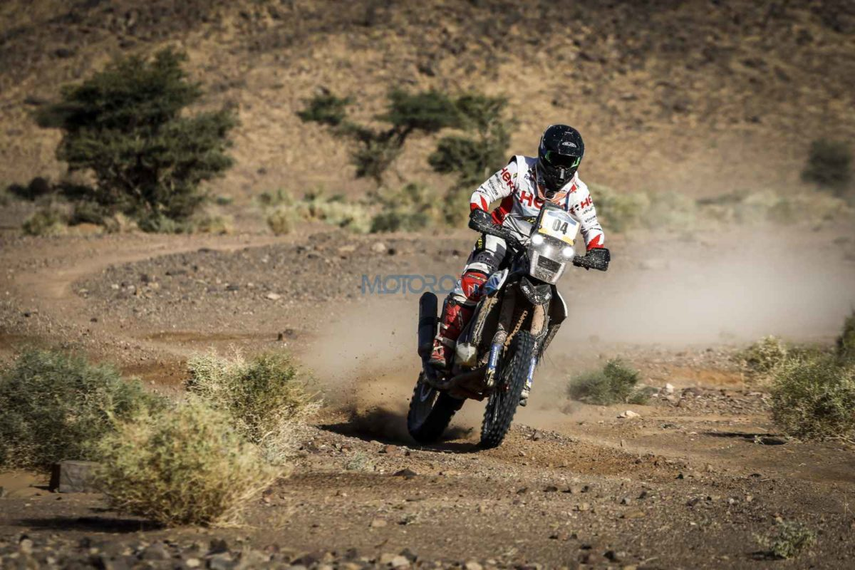 Oriol Mena (Rider No. 4) at Merzouga Rally 2019