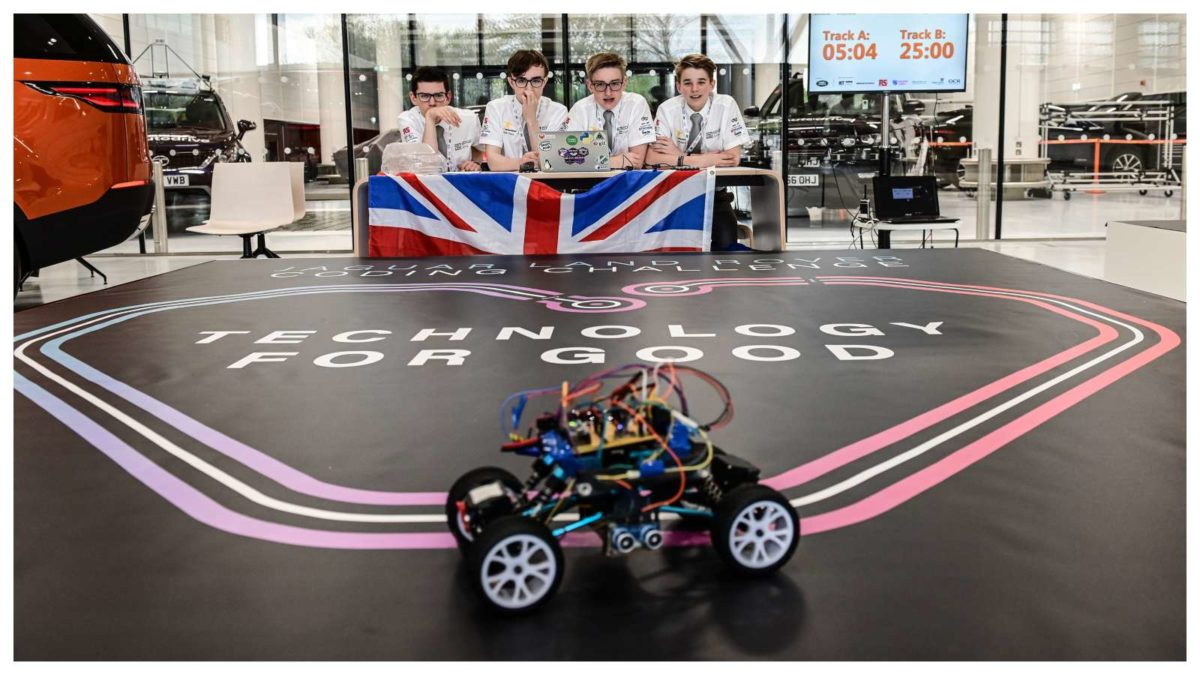 TEENAGERS SELF DRIVING FUTURE Land Rover