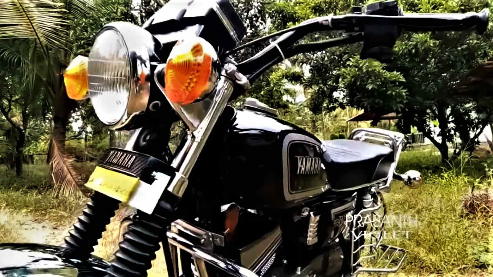 Yamaha RX 100 Goes From Drab To Fab In Five Minutes Of Time-Lapse