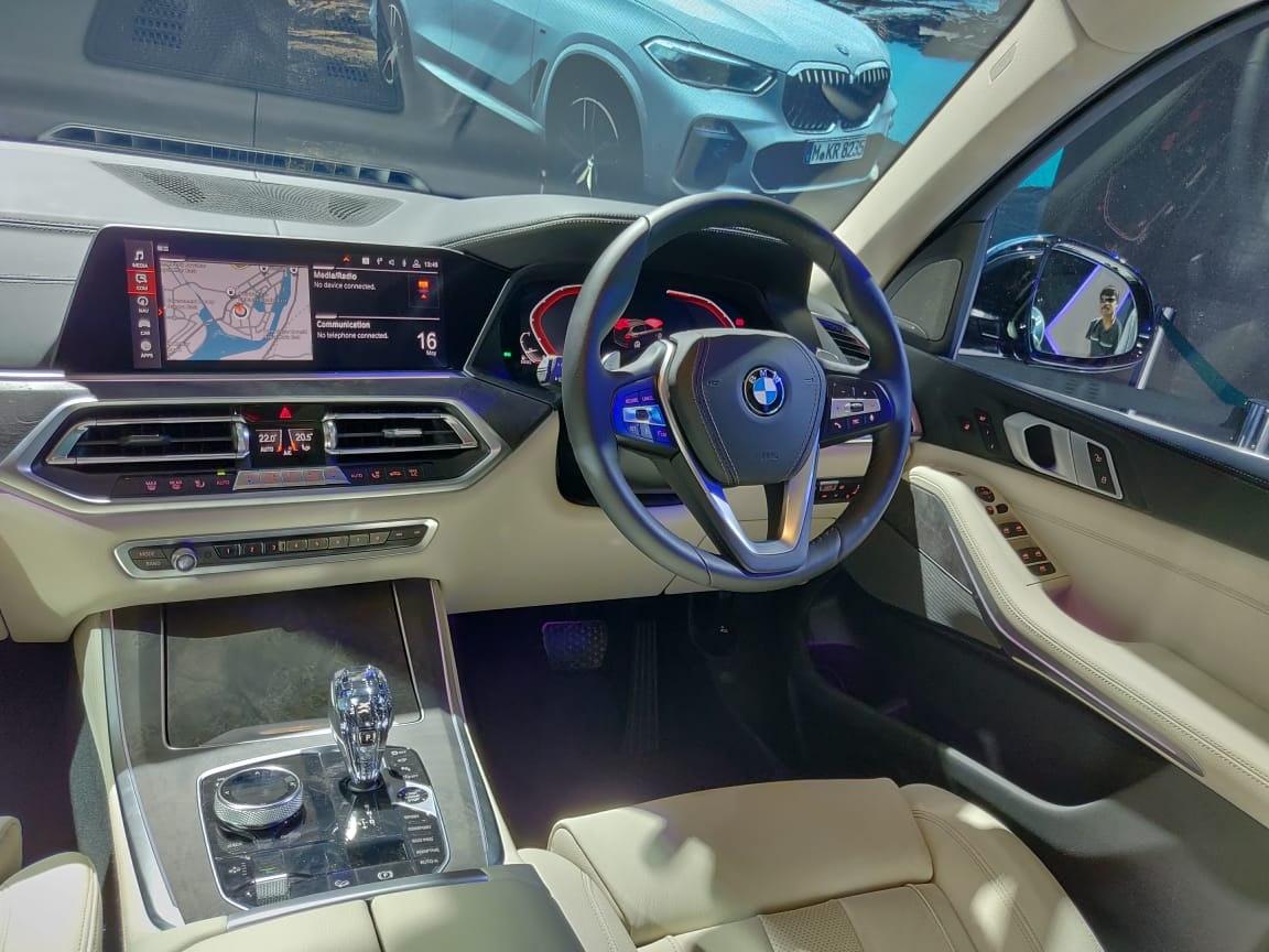 2019 BMW X5 INdia Launch cockpit view