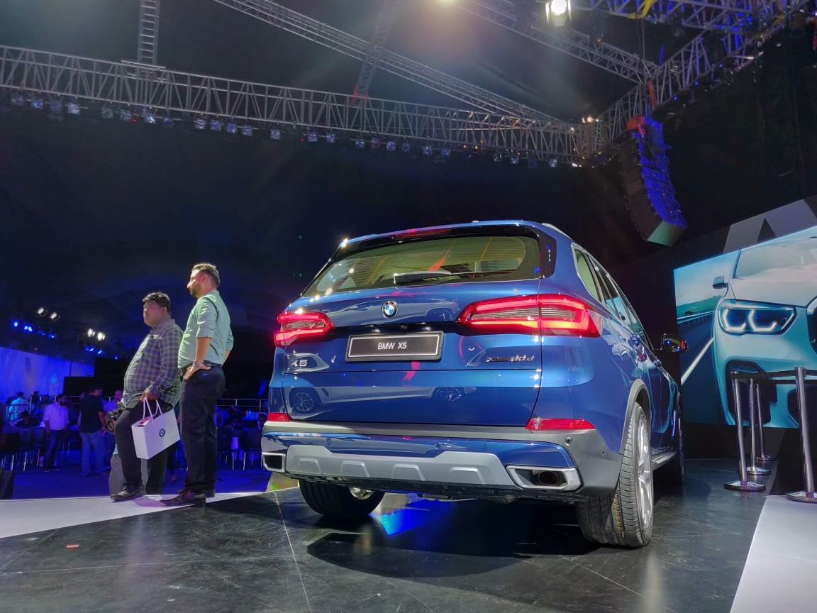2019 BMW X5 INdia Launch rear profile low