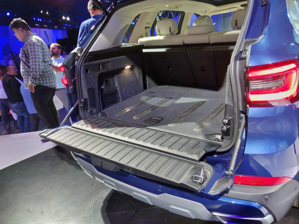 2019 BMW X5 INdia Launch split tailgate
