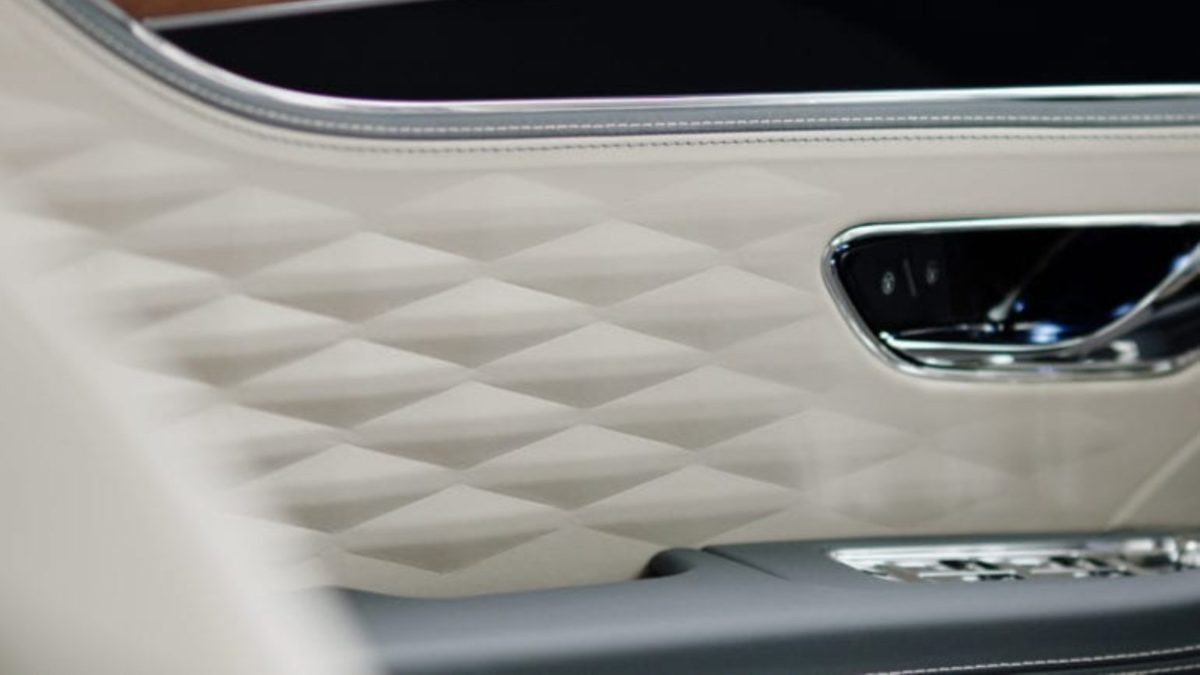Bentley Continental Flying Spur interior teaser