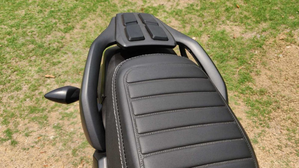 Hero Impulse 200T review back seat