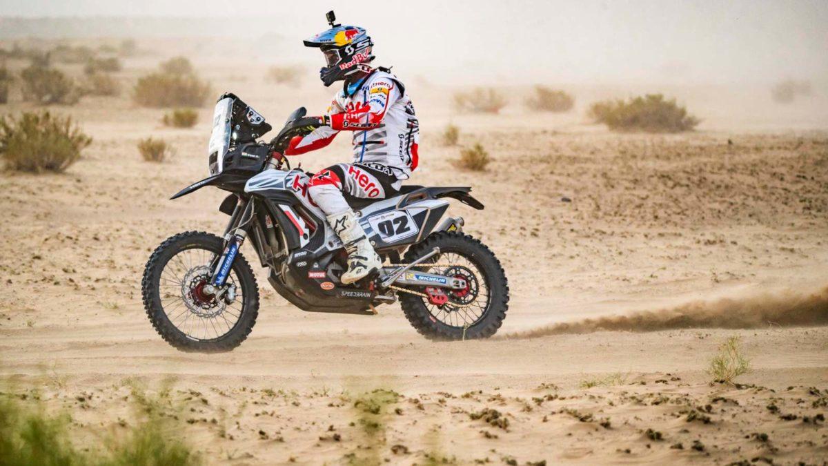 Hero MotoSport Cs Santosh in desert storm Rally side