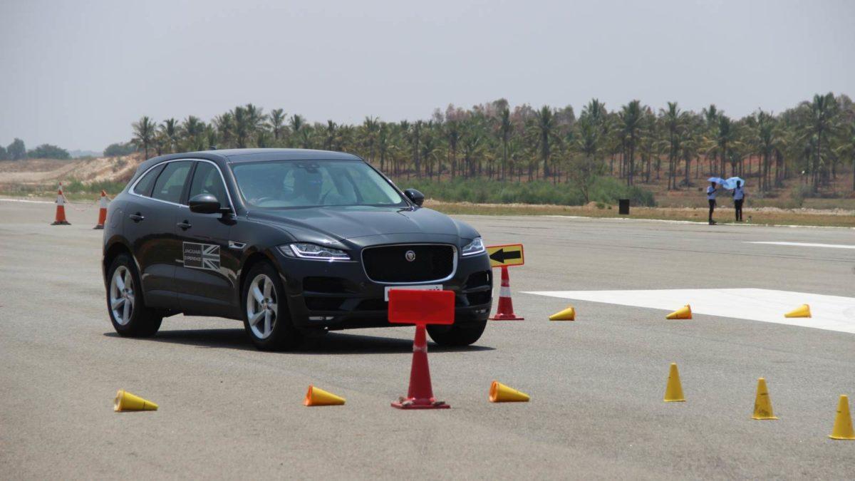 Jaguar Art of Performance F Pace slalom