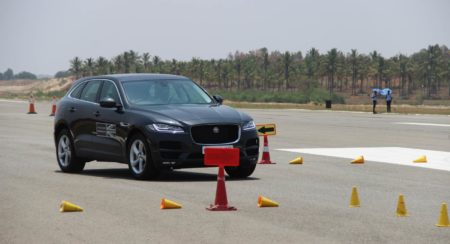 Jaguar Art of Performance F-Pace slalom