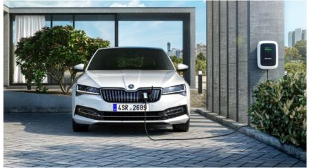 India-Bound Skoda Superb Facelift Unveiled, Will Get A Hybrid Powertrain