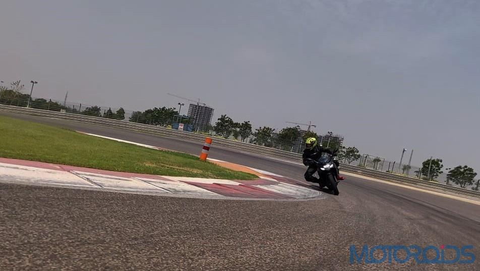 Suzuki Gixxer SF 250 First Ride Review Action Shots (4)