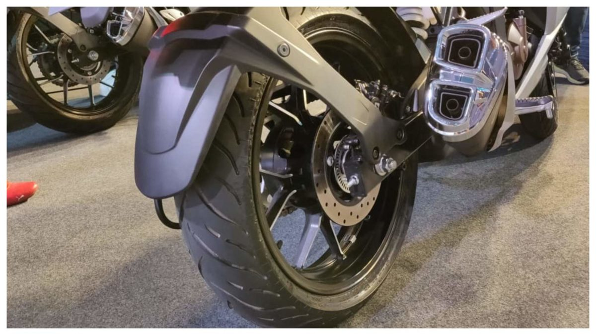 gixxer sf 250 rear tyre