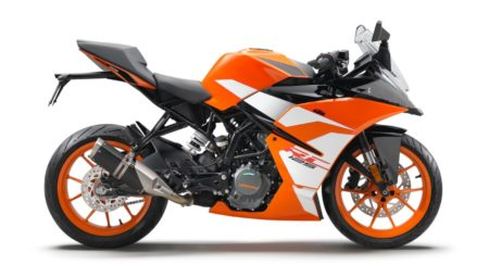 170650_KTM RC 125 90 degree right MY 2017