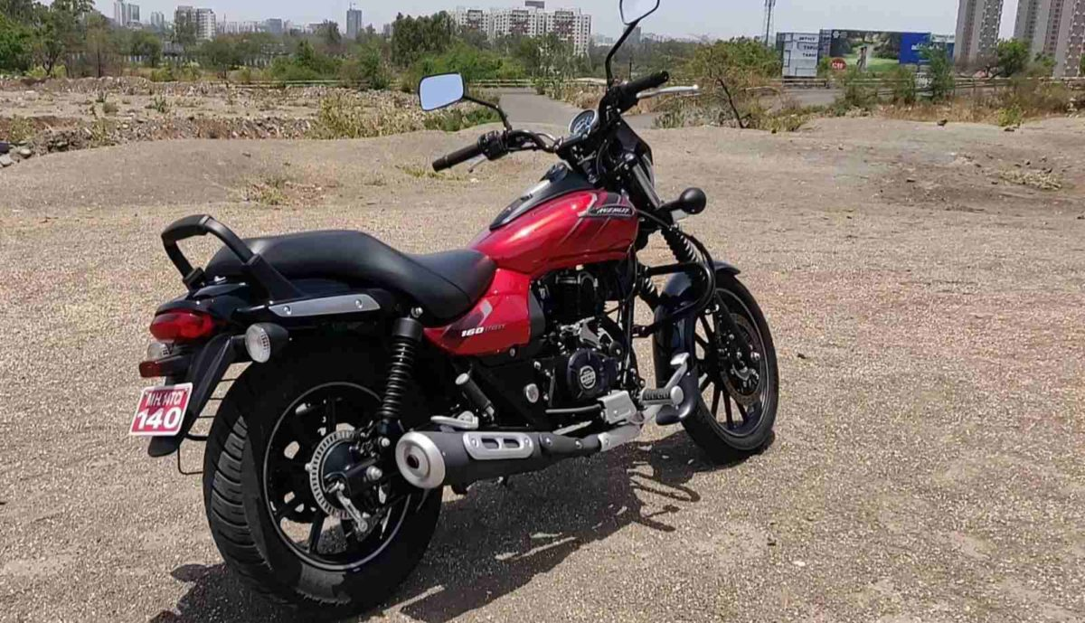 Bajaj Avenger Street 160 Review Side Rear