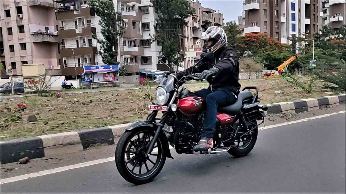 Bajaj Avenger Street 160 Review front low