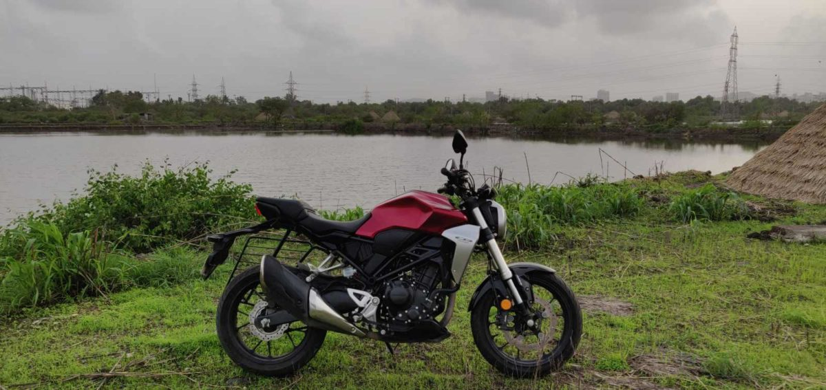 Honda CB300R Road Test Review Side head on