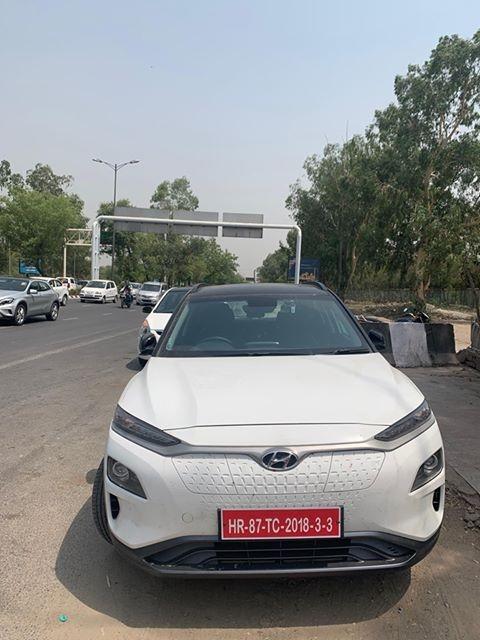 Hyundai Kona spotted in Delhi front