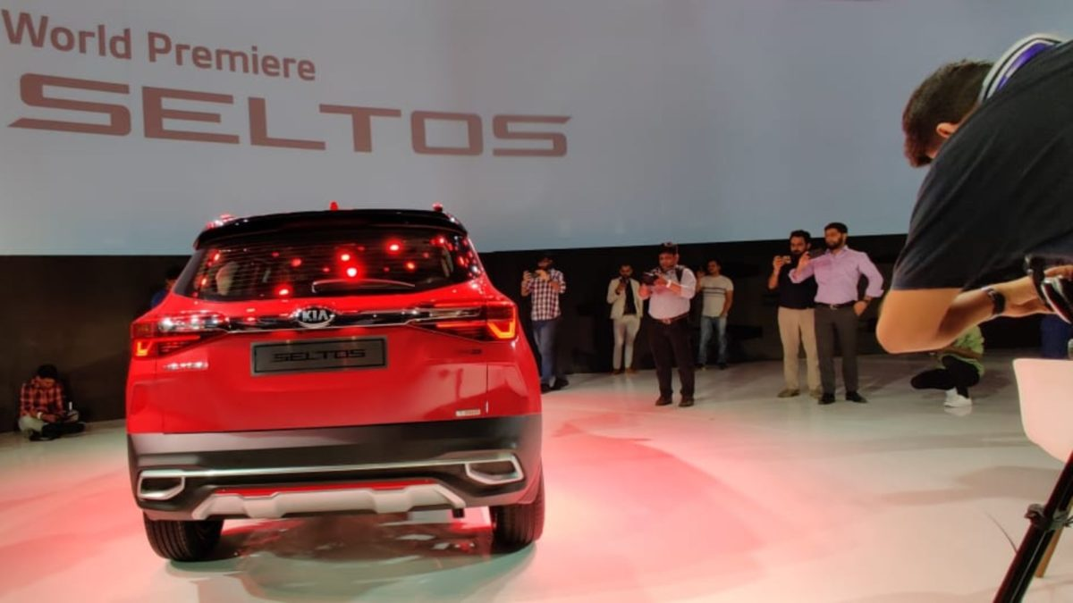 Kia Seltos Unveiled red rear