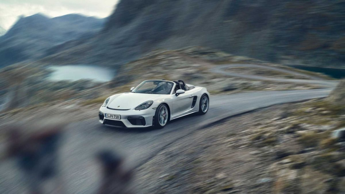 Porsche 718 Spyder rolling front quarter