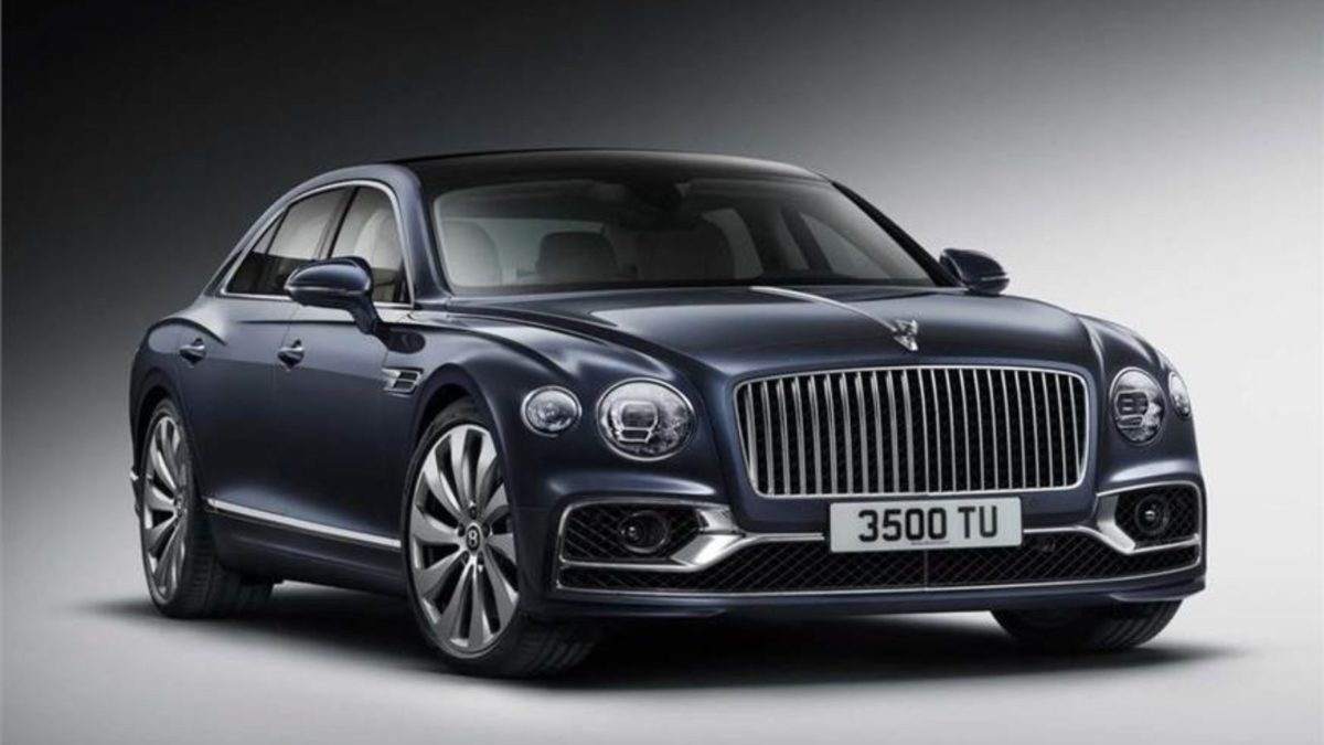 Third Generation Bentley Flying Spur front quarter (1)