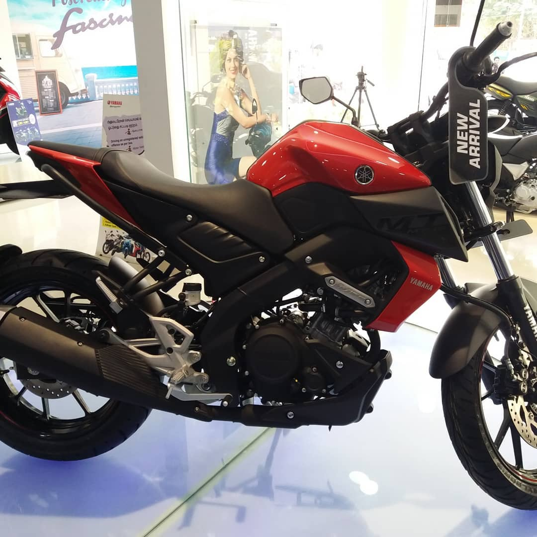 Yamaha MT 15 new colours red side