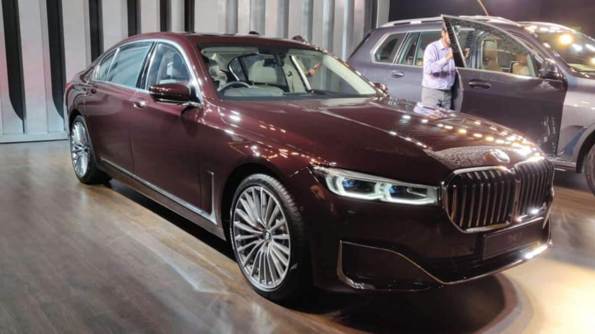 BMW 7 series facelift 745Le front quarter