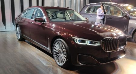 BMW 7-series facelift 745Le front quarter