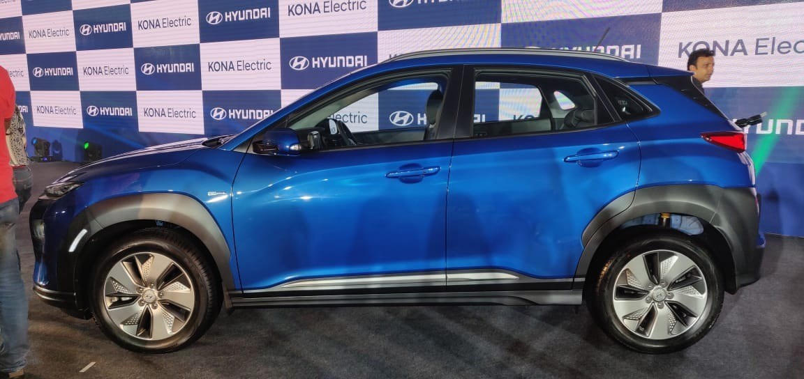 Hyunda Kona Electric Launch Blue side
