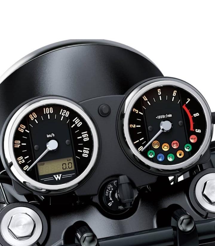 Kawasaki W800 instrument console
