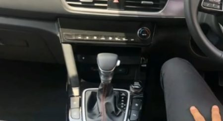 Kia Seltos Interior gear lever