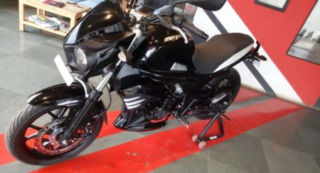 Mahindra Mojo ABS at dealer side quarter