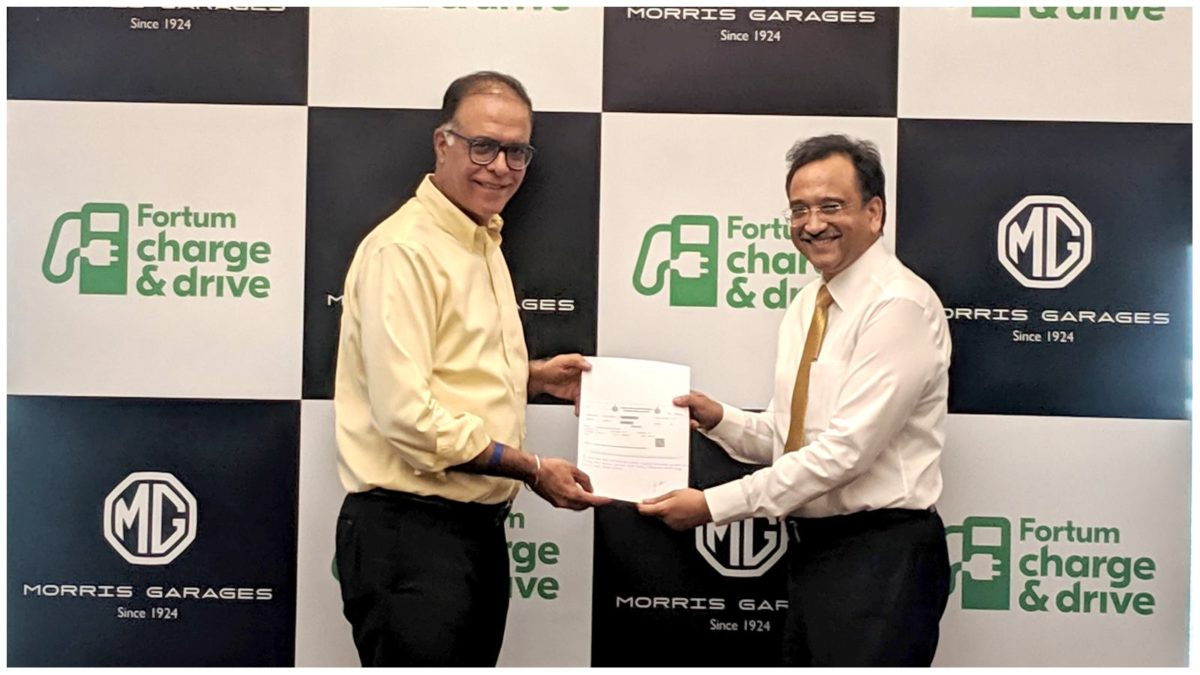 Rajeev Chaba, President & MD, MG Motor India (left) and Sanjay Aggarwal Managing Director, Fortum India