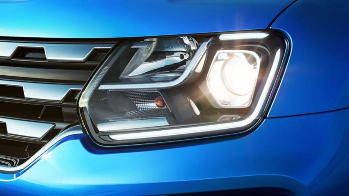 Renault Duster facelift headlight