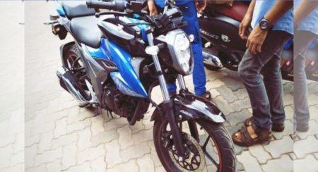 Suzuki Gixxer 155 spied front quarter