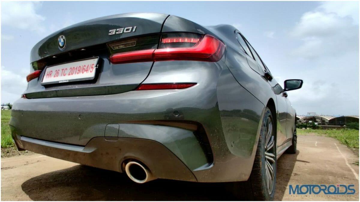 2019 BMW 3 series11