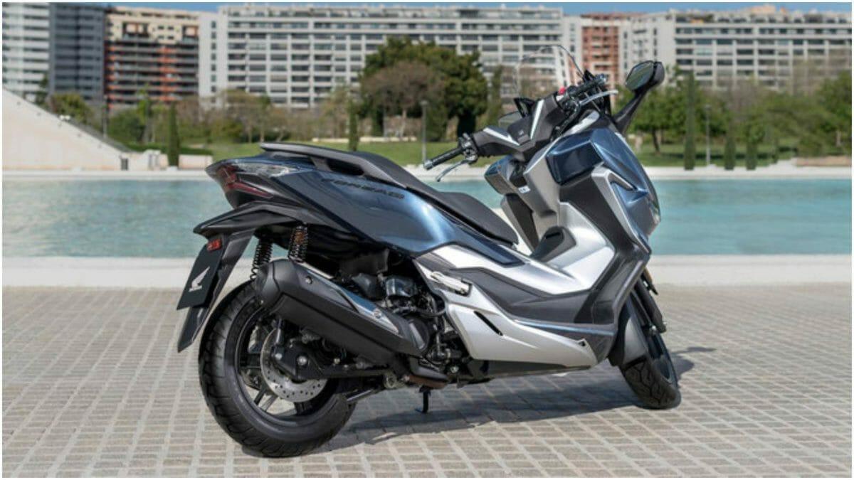 Honda Forza 300 1