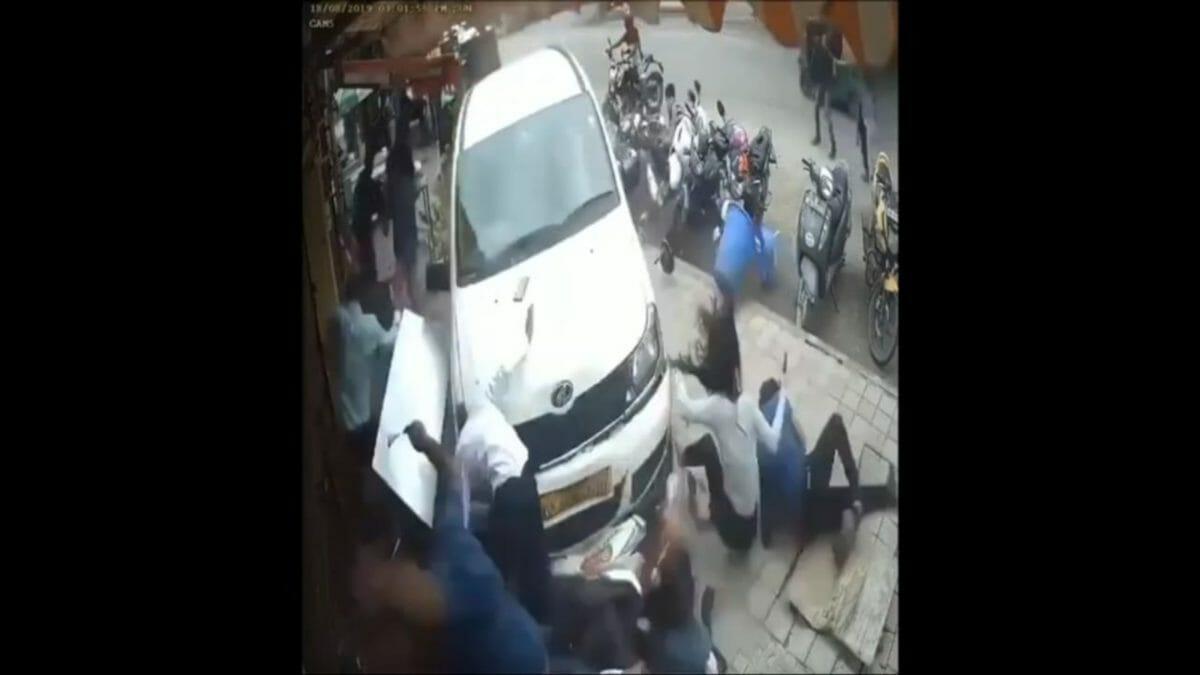 Mahindra Xylo drunk driver in Bangalore