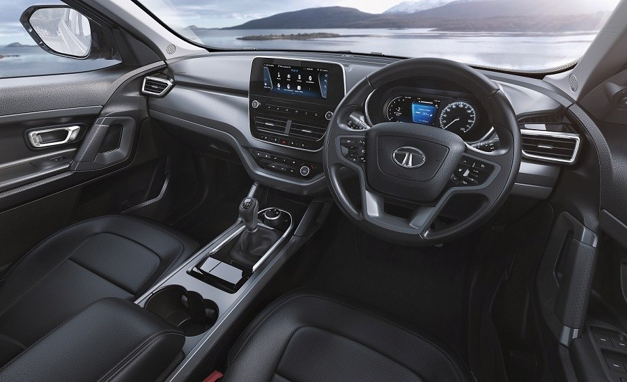Tata Harrier Dark Edition interiors