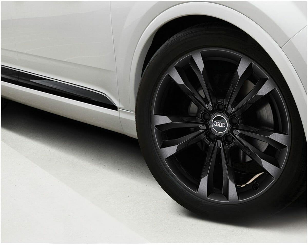 Audi Q7 Black Edition 3